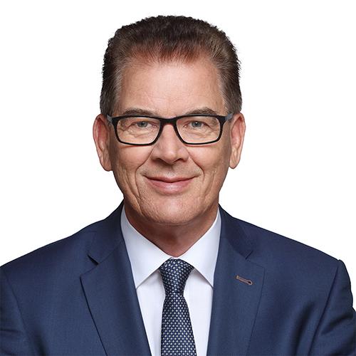 Dr. Gerd Müller